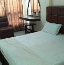 Hotel  Shivalik  Gold