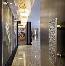 Platinum Crystal Hotel