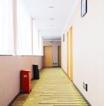 March Yangchun Business Hotel