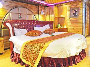 Xijiang Miao Village Family Hotel