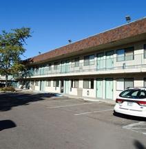 モーテル 6 - カリスペル