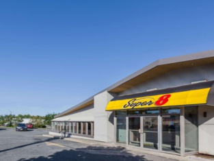 Super 8 by Wyndham Kirkland Lake