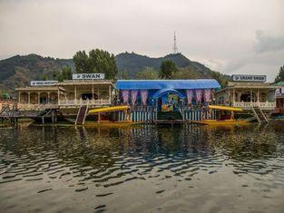 Swan Group of Houseboats, Golden Dal Lake