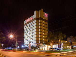阿拉薩圖巴宜必思酒店