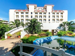 WelcomHotel Grand Bay - Member ITC Hotel Group