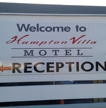 Hampton Villa Motel