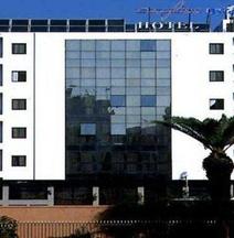 玛耶里斯酒店