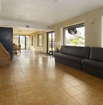 Days Inn by Wyndham Brunswick/St. Simons Area