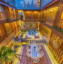 Qinshi Mingyue Xiangting Inn