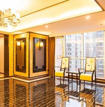 Vyluk ·J Weilai Hotel (Chongqing Jiefangbei Yangtze River Cableway)
