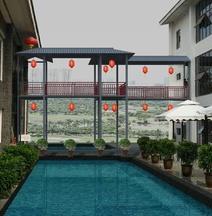 Rainbow Bay Style Hotel