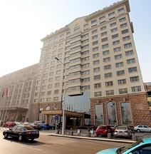 Astor Plaza