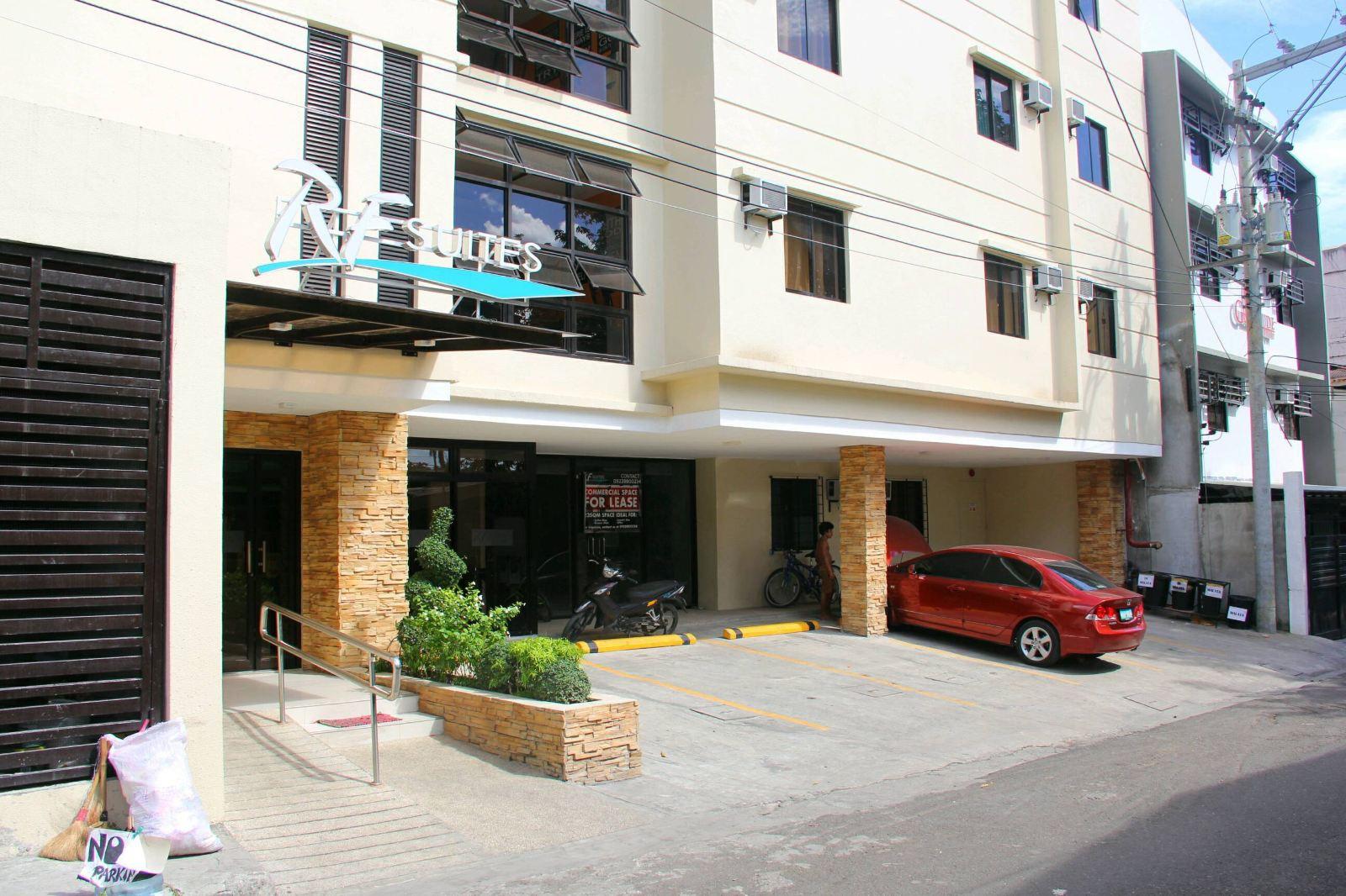 RF Suites Hotel