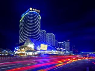 โรงแรมชอง เซลิเซ่