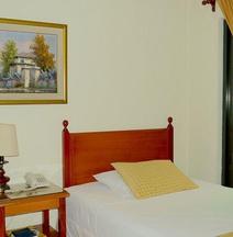 Hotel Villa Serena San Benito