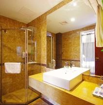 Bailuzhou Holiday Hotel Yibin