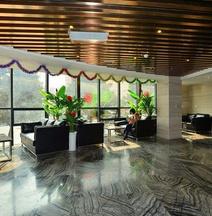 Gulong Hotel (Hanzhong High-speed Railway Station Wanbang)