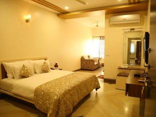 Hotel Manju Palace