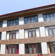OYO 4945 Abdullah Residency