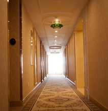 Vienna Hotel Yi Yang New District