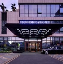 コーチュアン ホテル