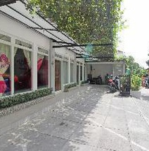 RedDoorz Near Solo Balapan Station