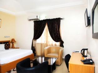 Western Dreams Hotel