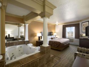 Days Inn by Wyndham High Level