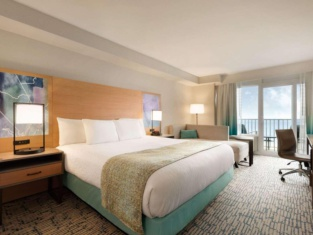 Surfbreak Oceanfront Hotel, Ascend Hotel Collection