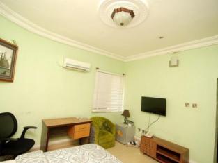 Nest Spa & Suites