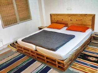Jugaad Hostels