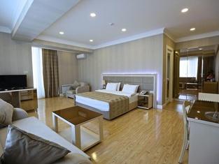 Rusel Hotel