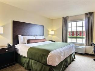 Cobblestone Hotel and Suites - Crookston