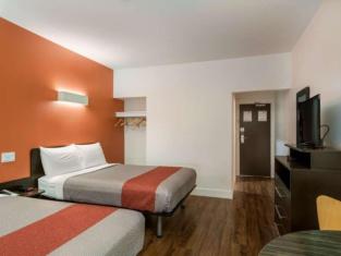 Motel 6 Moncton