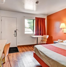 Motel 6 Pittsburgh - Crafton