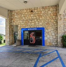 Motel 6 Austin Central-South/Univ. of TX