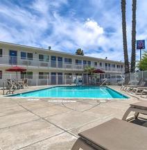 Motel 6 Westminster South - Long Beach Area