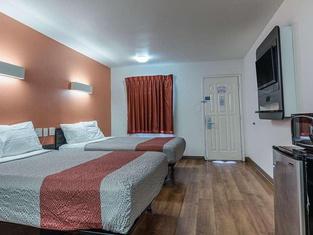 Motel 6 Texarkana