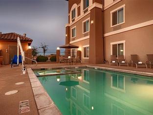 Best Western Douglas Inn & Suites
