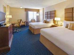 Coast Calgary Plaza Hotel