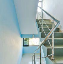 OYO 4195 Clausil Inn