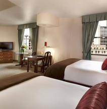 Hotel Theodore