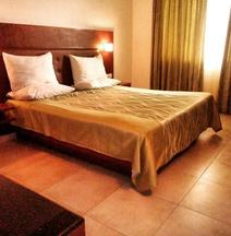 The Verda Saffron Hotel