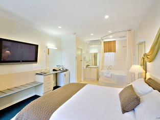 Melbourne's Princes Park Hotel