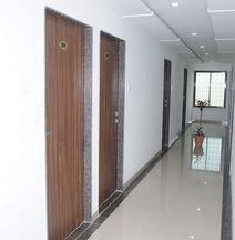 OYO 17301 Sukrangu Palace