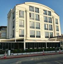 La Porte Boutique Hotel