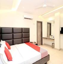 OYO 15890 Hotel Sunciti Extension