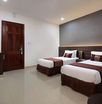 Nolis Hotel