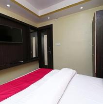 OYO 15169 Hotel Rk Inn