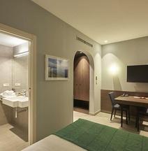 M Suite Hotel